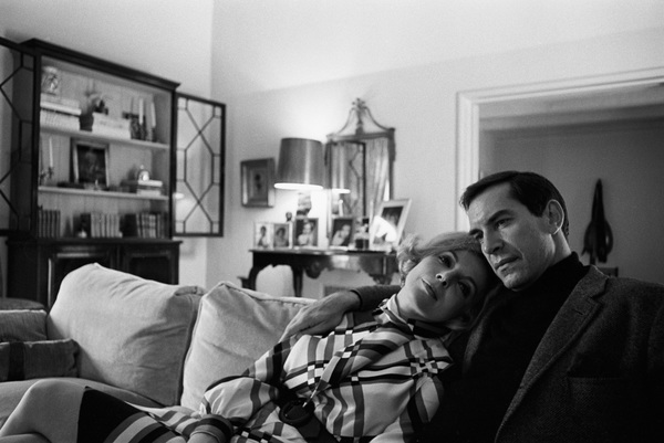 Martin Landau and Barbara Bain at home1967 © 1978 Gunther - Image 7877_0007