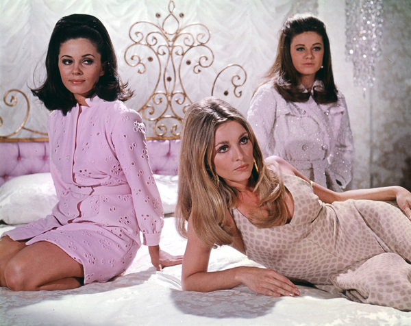 """Valley of the Dolls""Barbara Parkins, Sharon Tate, Patty Duke1967 20th Cent. Fox**I.V. - Image 8489_0007"