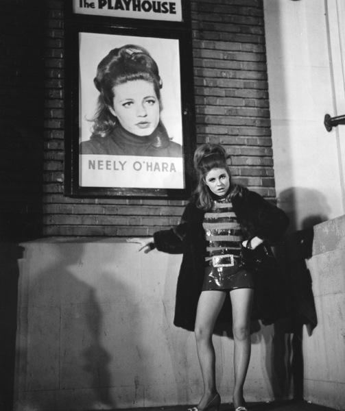"""""""Valley of the Dolls""""Patty Duke1967 Twentieth Century Fox**I.V. - Image 8489_0012"""