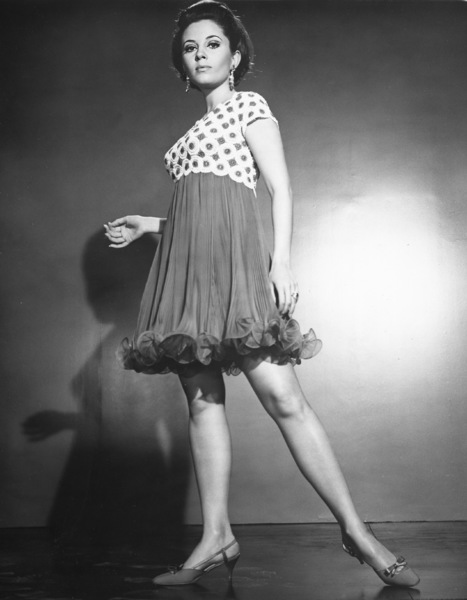 """Valley of the Dolls""Barbara Parkins1967 Twentieth Century Fox**I.V. - Image 8489_0021"