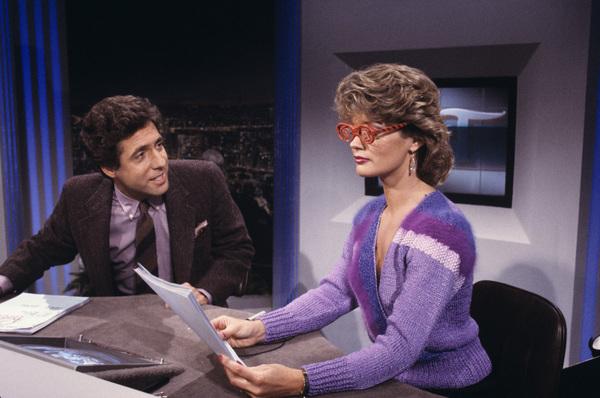 """Entertainment Tonight""Mary Hart, Robb Wellercirca 1988 © 1988 Gene Trindl - Image 8731_0029"