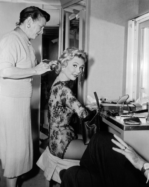 """The Joker Is Wild""Mitzi Gaynor1957 Paramount Pictures - Image 9191_0009"