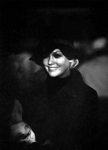 """The Notorious Landlady""Kim Novak1961 © 1978 Bob Willoughby - Image 9459_0054"