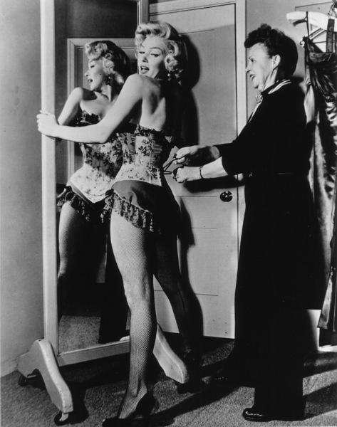 """River Of No Return""Marilyn Monroe on the set.1954 / 20th Century Fox**R.C. - Image 9550_0014"
