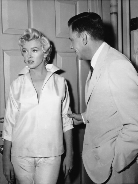 """Seven Year Itch, The""Marilyn Monroe, Tom Ewell1955 / 20th Century Fox - Image 9554_0044"