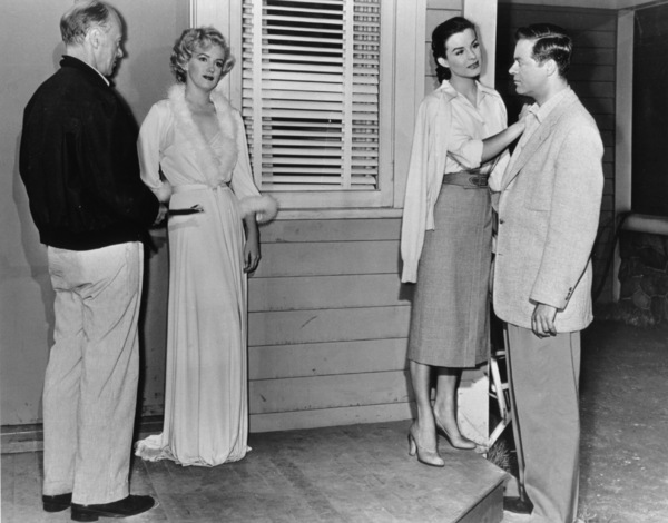 """Niagara""Marilyn Monroe, Jean Peters, Casey Adams1953 / 20th Century Fox**R.C. - Image 9558_0006"