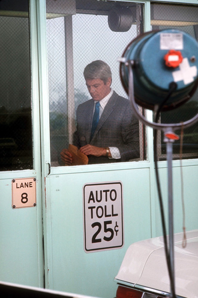 """Mission: Impossible""Peter Graves1969 CBS © 1978 Gene TrindlMPTV - Image 9747_0021"