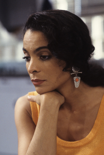 """A Different World"" (Episode: Do the Write Thing)Jasmine Guy1992© 1992 Gene Trindl - Image 9987_0069"